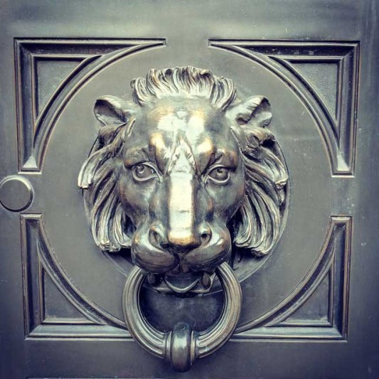lion- door Knocker